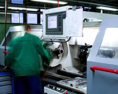 Pracovičtě CNC soustruhu